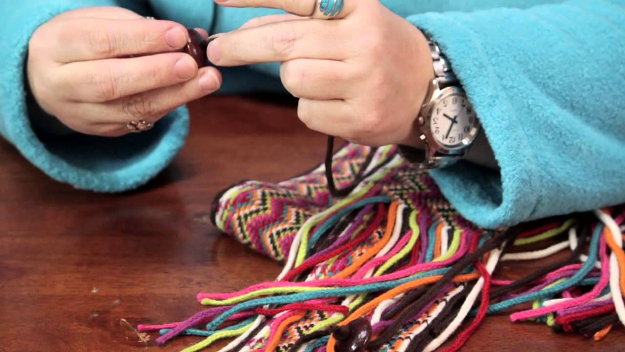 how to close a knitted scarf