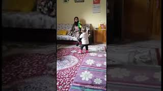 Beril Aygülün ilk adımları | bebek videoları | çocuk videoları | eğlenceli videolar