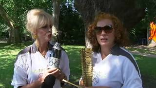 Hilarious interview! Ab Fab's Eddie and Patsy carry Olympic flame