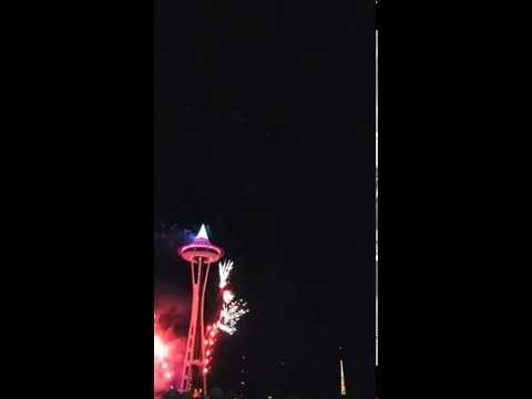 2015 NYE Seattle Space Needle HD New Years Eve