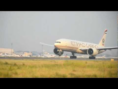 Plane Photography at Indira Gandhi International Airport New Delhi - Takeoffs