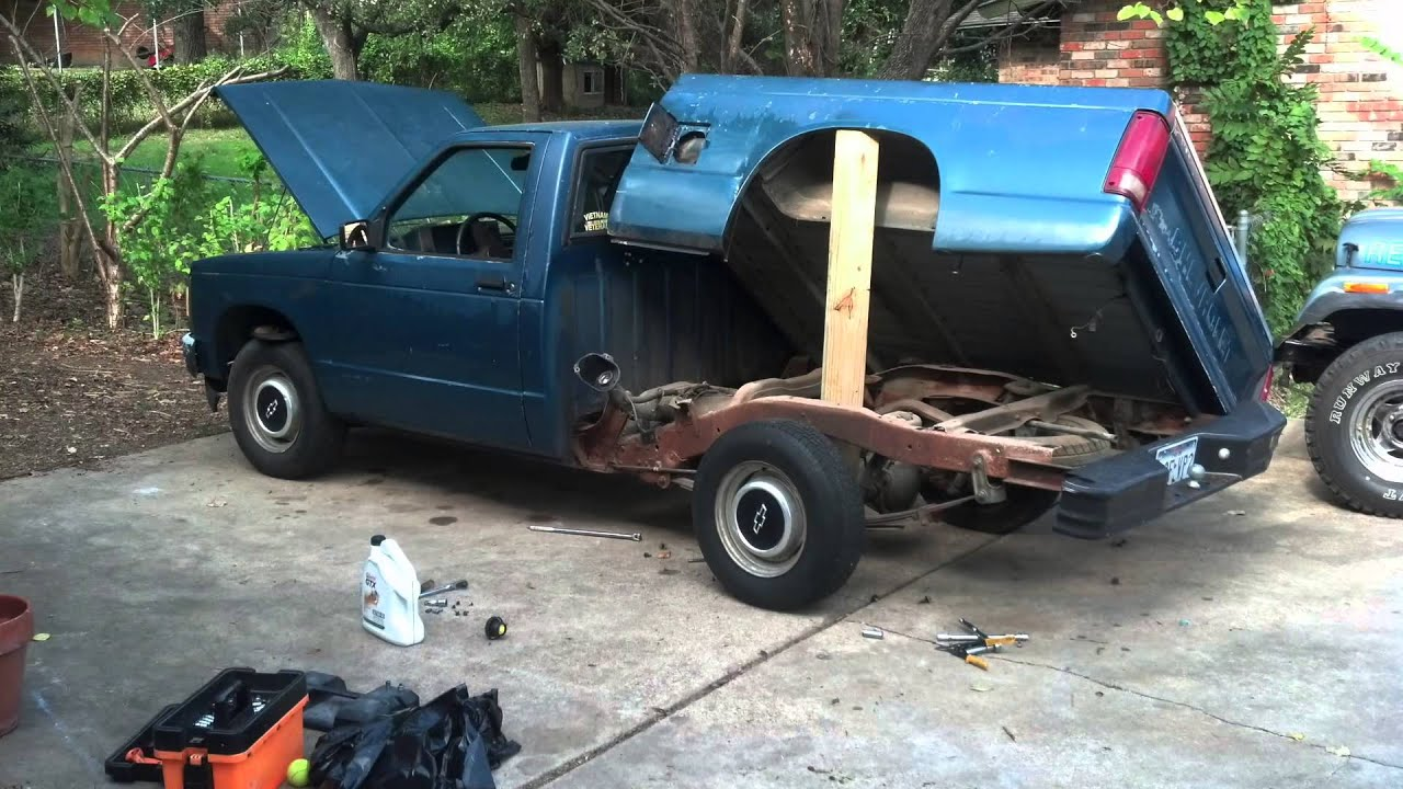 1987 Chevy Truck Fuel Tank Removal