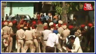 Amritsar हादसे के घटनास्थल पर आज फिर जुटे लोग, पुलिस वालों पर किया पथराव | Breaking News