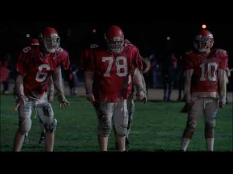 Glee - The football team plays as zombies 2x11