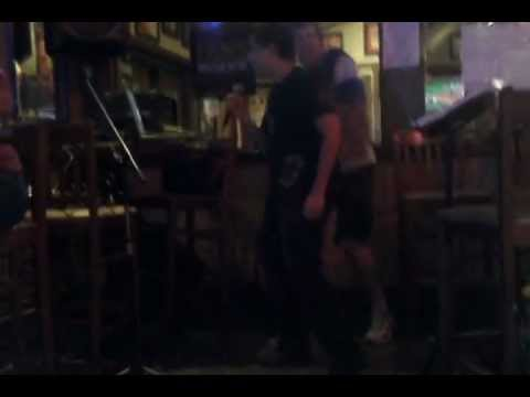 Gangnam Style Applebees Karaoke