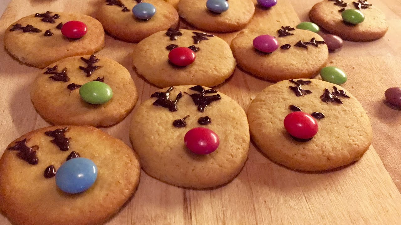 biscuits au beurre de no l en forme de rennes recette facile et rapide youtube. Black Bedroom Furniture Sets. Home Design Ideas