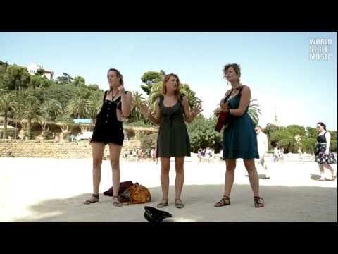 Barcelona Street Music : Firework (HD)