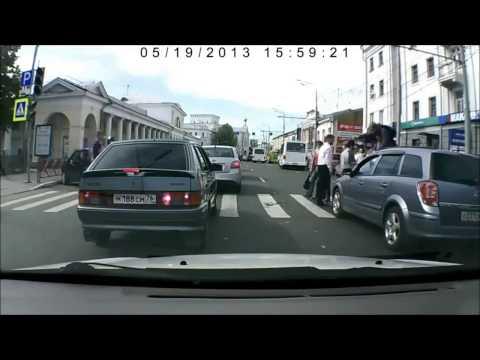 Самые нелепые и смешные ситуации на дорогах, аварии и ДТП 2013