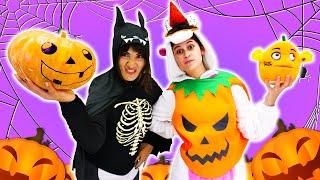 Милая Единорожка иАкула празднуют Хэллоуин! Смешные видео, как мыукрашаем дом иулицу наHalloween