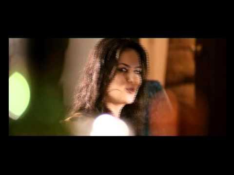 randeep elena s beautiful kiss in johnday