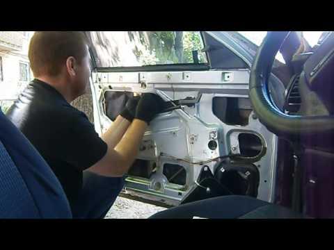 Замена стеклоподъемника ВАЗ 2110, 2111, 2112. Power Window Replacement. Ставим подъемник. #vseklevo