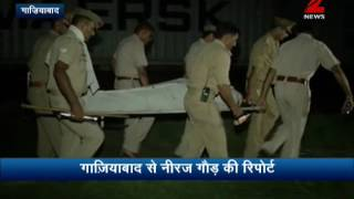 Buxar DM Mukesh Pandey commits suicide near Ghaziabad Railway station