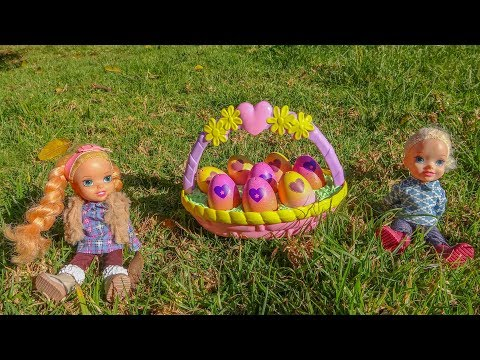 Elsa and Anna toddlers Easter egg hunt