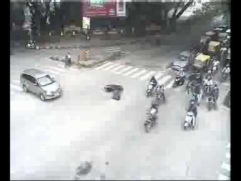 Accident Four Wheeler Hits Two Wheeler By Bangalore