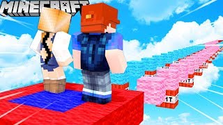 NOOB VS PRO - KTO LEPIEJ SKACZE W MINECRAFT PARKOUR?! 😂🏆 VITO VS BELLA