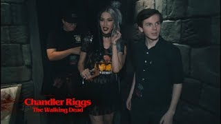 Halloween Horror Nights - Celeb Interviews and freaking out with Chandler Riggs of The Walking Dead!