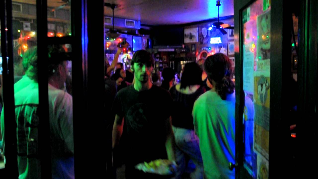 naked-swinging-clubs-in-melbourne-australia-butt-analingus-fat