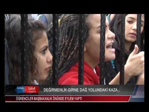 ÖĞRENCİLER DEĞİRMENLİK-GİRNE DAĞ YOLUNDAKİ KAZAYI PROTESTO ETMEK İÇİN BAŞBAKANLIK ÖNÜNDE EYLEM YAPTI