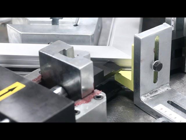 Crimpadora de perfiles de Aluminio SC 902 de Plastmak en Ventytec. Venta y Reparación de Maquinaria.