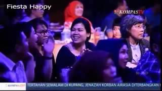 Download lagu new KAHITNA Tak Sebebas Merpati Live Everlasting 90 s MP3