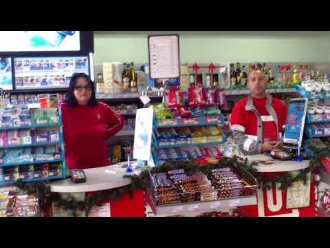 Lukoil de la Huși te pune să cumperi ca să intri la WC - Curaj.TV