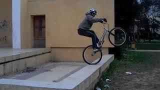 6 năm trước đây (2012) Ngô Minh Tú chơi xe đạp địa hình như thế nào?