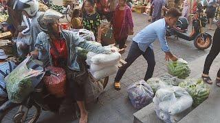 Asian Market - Life In Cambodian Market - Daily Fresh Food In Phnom Penh Market