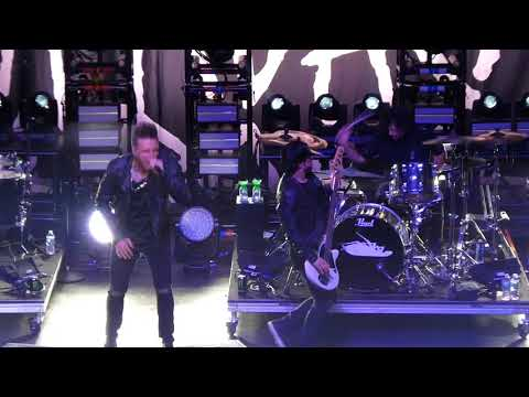 """""""Crooked Teeth & To Be Loved"""" Papa Roach@Wellmont Theater Montclair, NJ 4/11/18"""