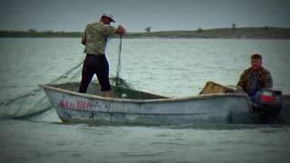 Капчагай , ловля рыбы  сетями .(Этот ролик обработан в Видеоредакторе YouTube (http://www.youtube.com/editor), 2016-05-24T18:35:34.000Z)