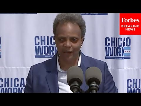 """Journalist Asks Lightfoot Point Blank: """"Are You Implying That White Reporters Can't Do A Fair Job"""""""