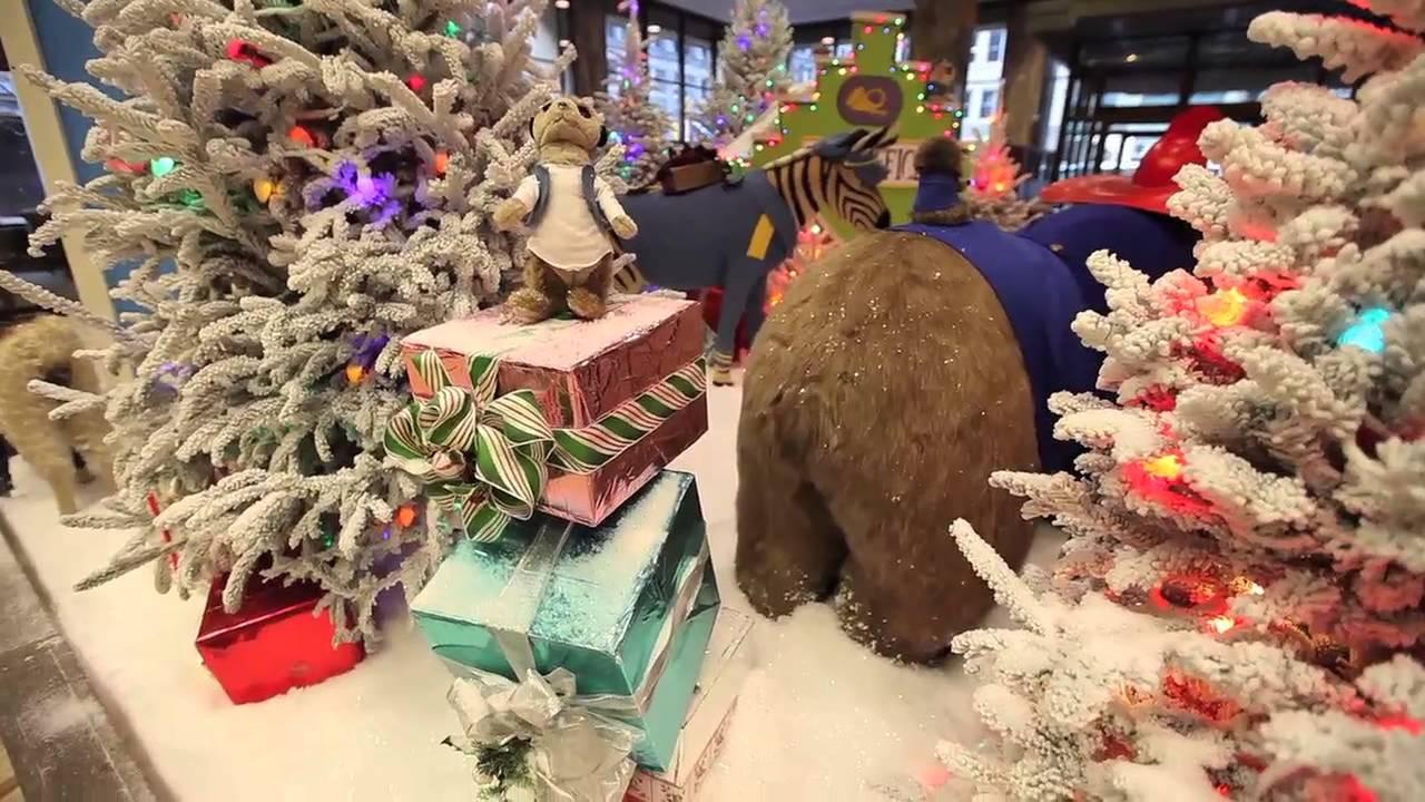 Bmo Harris Bank Christmas Display 2021 The Bmo Harris Bank Holiday Display Is Back Youtube