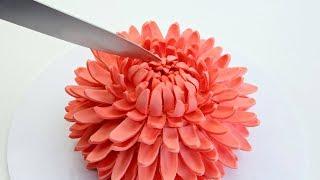 GIANT Chrysanthemum FLOWER Cake! thumbnail