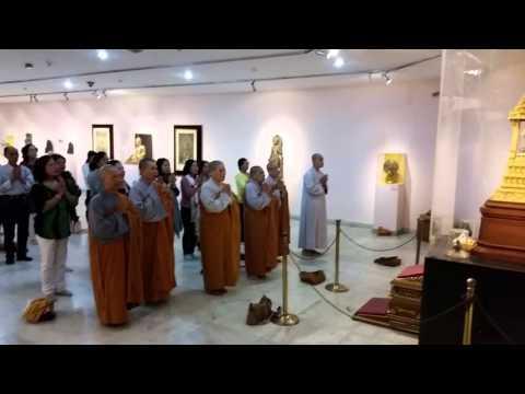 Vietnamese Buddhist monks paying homage