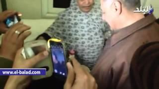 بالفيديو والصور.. الشرطة تعثر على رضيعة عقب اختطافها على يد سيدتين من داخل مستشفى جامعة سوهاج