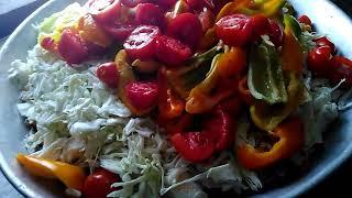 Консервация на зиму. Салат из помидор, перца и капусты.