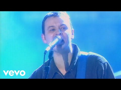 Manic Street Preachers - A Design for Life (Live at the BRIT Awards 1997)