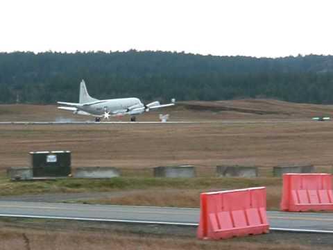 P-3 landing at Whidbey Island NAS.AVI