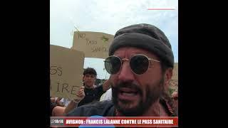 Avignon : Francis Lalanne présent à la manifestions anti-pass sanitaire