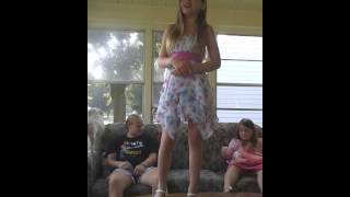 10 year old Singing girl on fire by Alicia keys