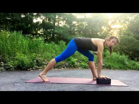 How to do Twists in Yoga Based on Healthy Body Mechanics