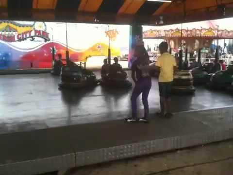 Kids in panama dancing to thriller