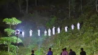 Tỉnh Hà Tĩnh nói về hình ảnh 10 cô gái mặc áo dài trắng gây tranh cãi?