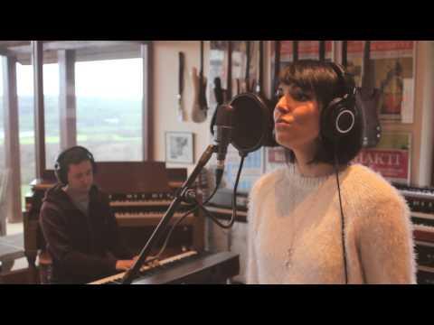 Ciara McCarthy Cork Wedding Singer No Frontiers