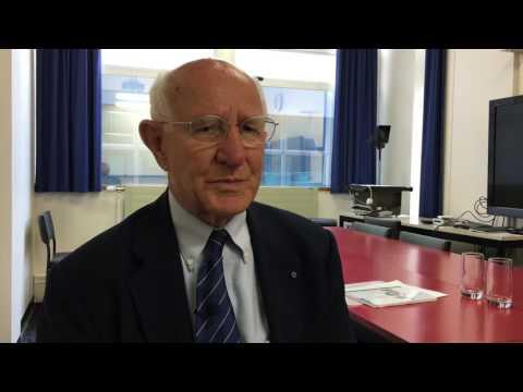 Bird flu professor returns to Dunedin