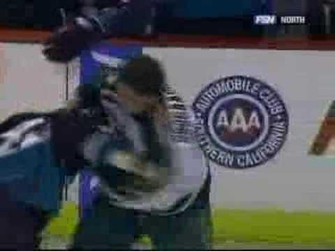boogaard vs gillies knockout Nov/05