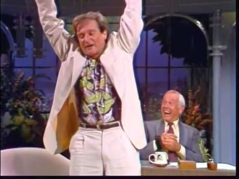 Robin Williams On The Tonight Show With Johnny Carson (July 22, 1982)