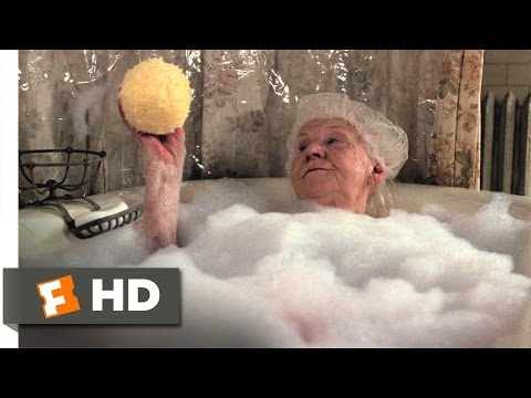Duplex (4/12) Movie CLIP - Bath Time (2003) HD