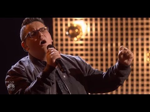 Christian Guardino: He Makes EVERYONE Stand On THEIR FEET! | America´s Got Talent 2017