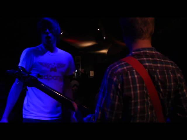 Entrosolet: 5cm per second - Live @ Tunnels - 24/10/10 Travel Video