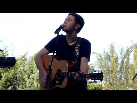 Scotty McCreery- Check Yes or No (George Strait Cover) LIVE at SeaWorld